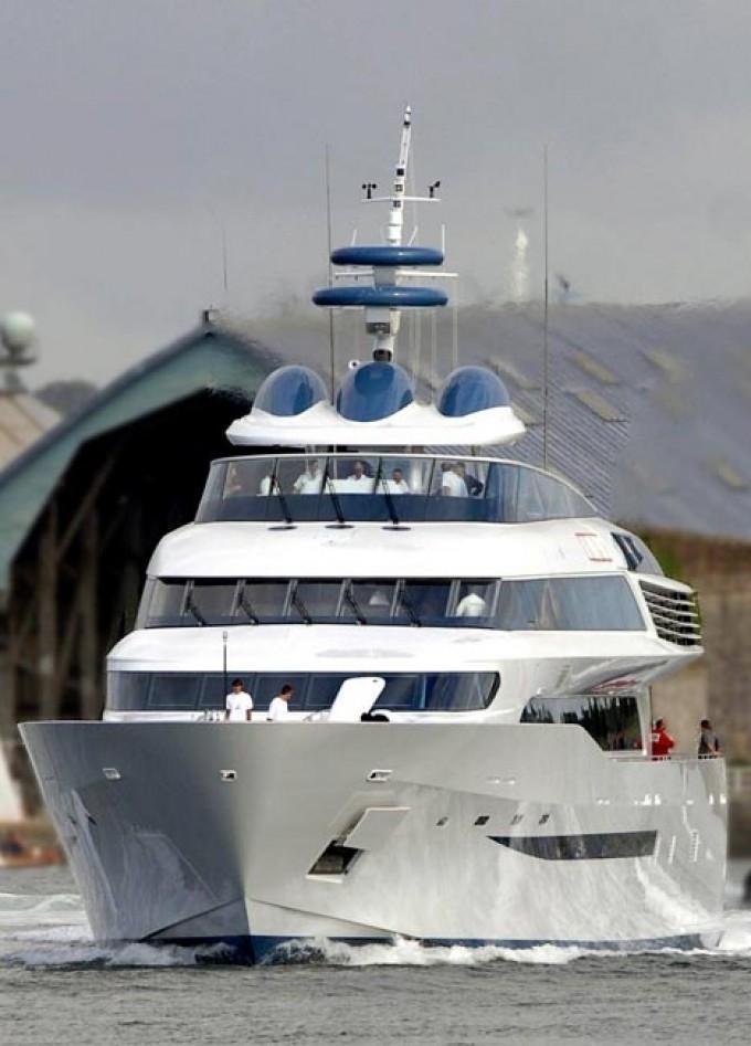 Alamshar el 3 barco de motor más rápido. Fuente Charter World
