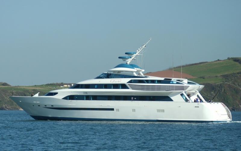 Alamshar, uno de los barcos de motor más rápidos