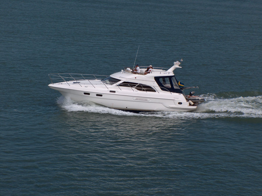 barco-motor-navegar