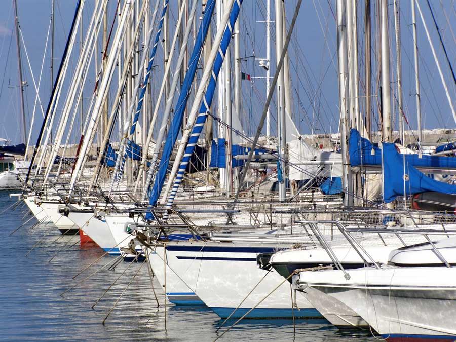 veleros-en-puerto