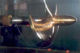 Hélice en el Túnel de Cavitación. Fuente: Canal de Experiencias Hidrodinámicas de El Pardo (CEHIPAR)