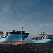 gallery_vessels-maersk-hardware-ships-parallel