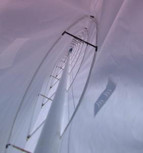 Detalle interior de vela flexible. Fuente Beneteau