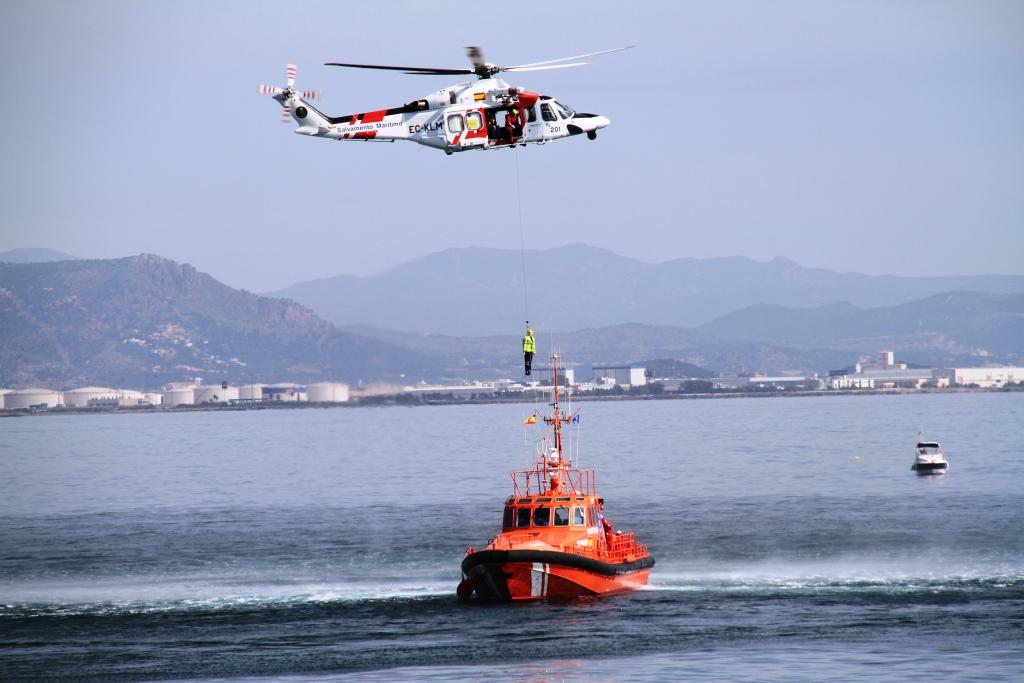salvamento marítimo helicoptero salvamar