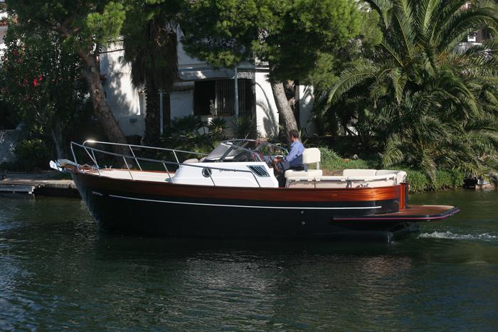 girbau boats  dos j u00f3venes cl u00e1sicos