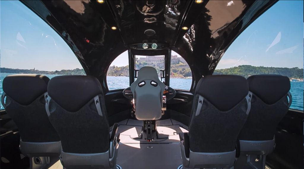 Jet_Capsule_Inside_2015